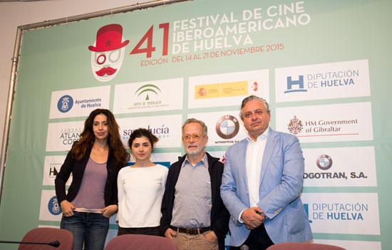 El Festival de Cine Iberoamericano de Huelva ha presentado hoy dentro de sus Sesiones Especiales la película 'Isla Bonita', del director Fernando Colomo.