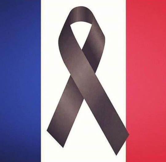 Imagen en solidaridad con los atentados de París hórridos la noche de ayer.