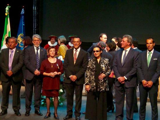 Imagen de los premiados junto a Ignacio Caraballo.