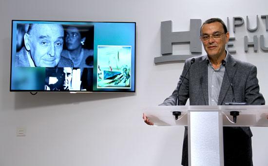 Ignacio Caraballo ha realizado el anuncio de las Medallas de la Provincia en una rueda de prensa celebrada en la mañana de hoy en la Diputación de Huelva.
