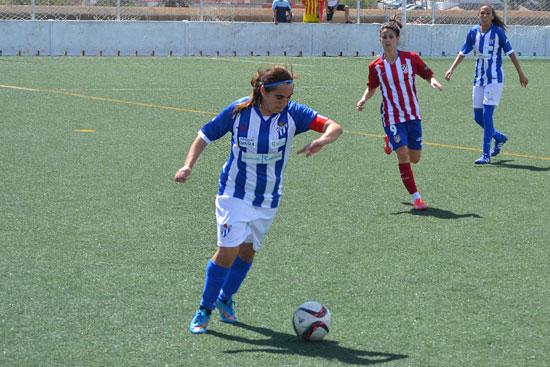 Imagen de Jenny Benítez durante un encuentro ante el Atlético de Madrid.