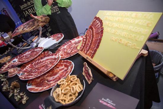 Productos onubenses que se pudieron degustar en el acto promocional.