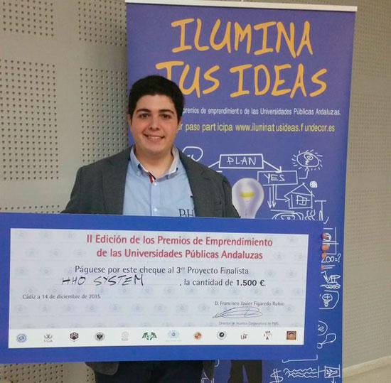 Adrián Zafra Pérez recibe uno de los Premios de Empredimiento de las Universidades Públicas Andaluzas