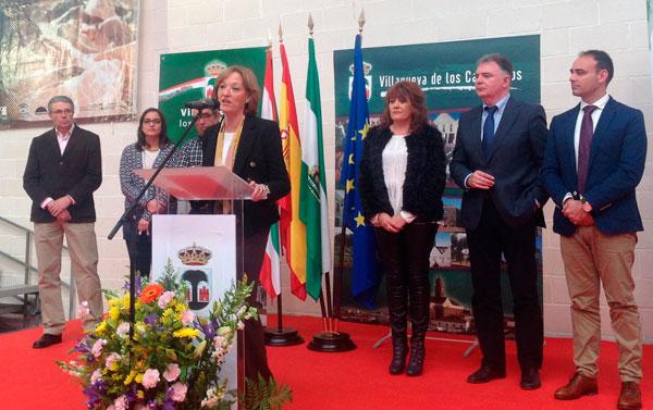 Carmen Ortiz ha asistido a la XI Feria Agroganadera del Cerdo Ibérico y su Industria en Villanueva de los Castillejos.