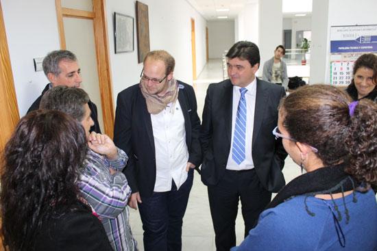Imagen de la visita a el centro social de La Morana.