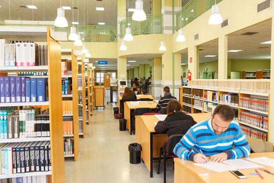 Imagen de la Biblioteca de la Universidad de Huelva.