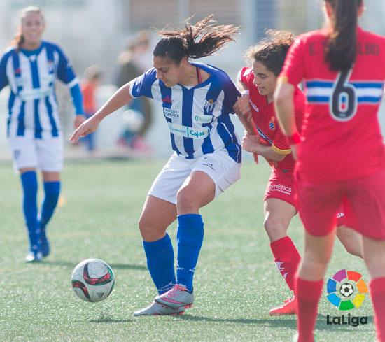 Cristina Martín Prieto durante un encuentro con el Sporting Club de Huelva.