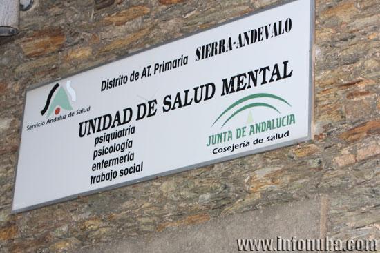 Imagen del edificio que alberga las unidades de fisioterapia, salud mental y protección de la salud en la localidad de Valverde del Camino
