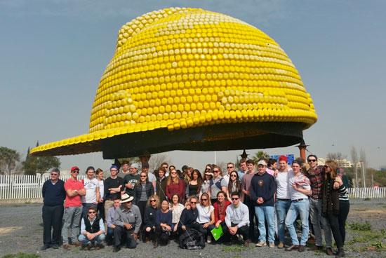 Alumnos y profesores de la Royal Agricultural University en su visita a la Universidad de Huelva.