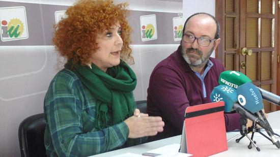 Inmaculada Camacho y Pedro Jiménez en rueda prensa.