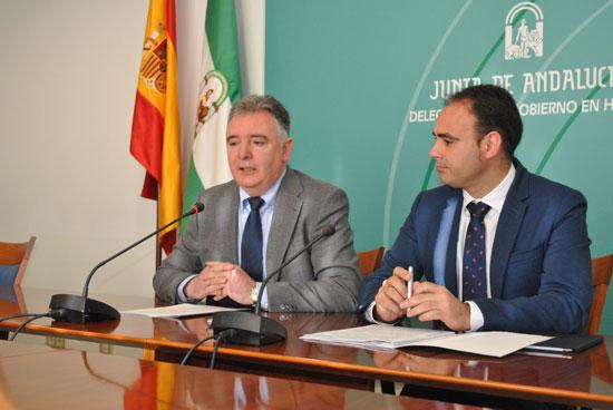 Francisco José Romero junto a Pedro Pascual Hernández en rueda de prensa.