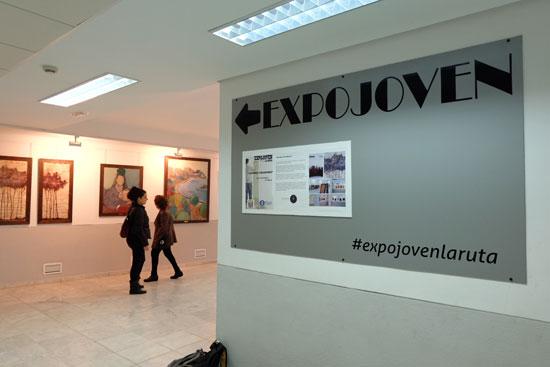 La sala 'Expojoven' ha abierto hoy sus puertas como un revulsivo para la promoción de los jóvenes creadores de la ciudad de Huelva.