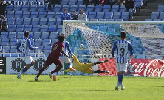 Imagen del gol de Paolo para el Jumilla.