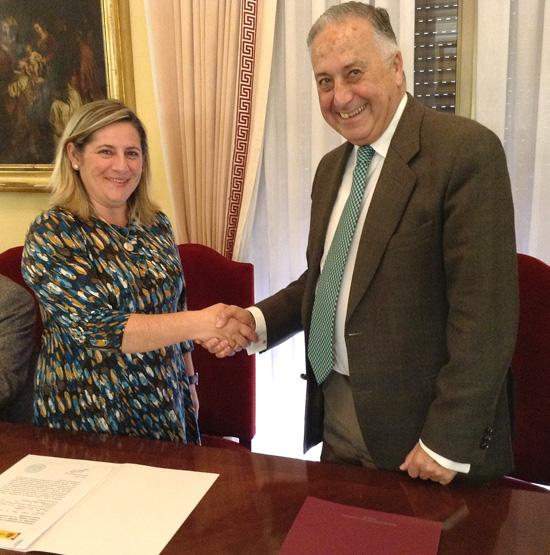 Enrique Pérez Viguera junto a Maribel González Benítez.