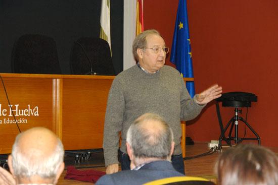 Juan Pérez Mercader durante su intervención.