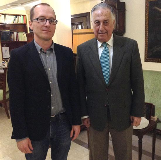 El subdelegado del Gobierno en Huelva, Enrique Pérez Viguera, junto al director del Festival de Cine Iberoamericano, Manuel H. Martín.
