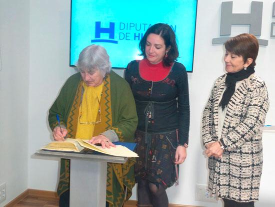 Imagen de la firma del convenio en la Diputación de Huelva.