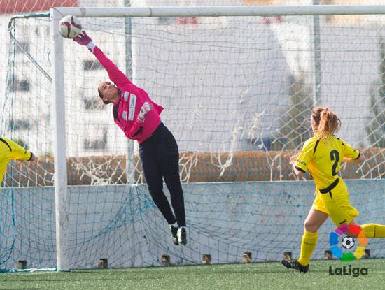 Sara Serrat durante un encuentro de esta temporada. Imagen: José Antonio Pérez / La Liga.