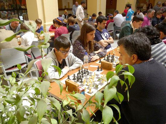 Imagen de jugadores durante el Abierto de Ajedrez de la UHU.