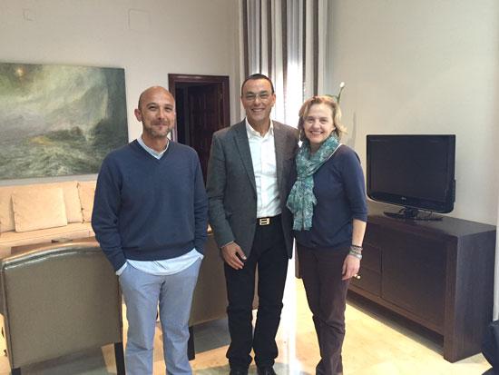 Rafael Santana, Ignacio Caraballo y Pilar Navarro durante el acto de la firma.