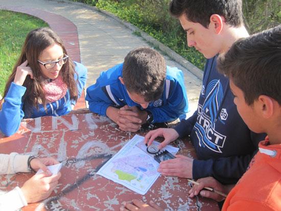 Imagen de escolares realizando una actividad en el Parque Moret..
