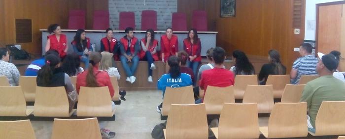 Imagen de una sesión de la 'Escuela de Padres 2016' de Cruz Roja en Huelva.