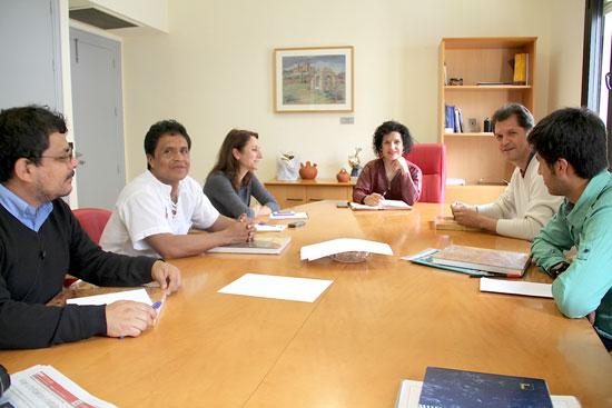 Imagen de una reunión sobre el cerdo criollo.
