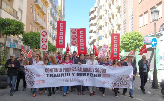 Imagen de la manifestación a favor de los derechos de los trabajadores/as con motivo de 1º de Mayo.