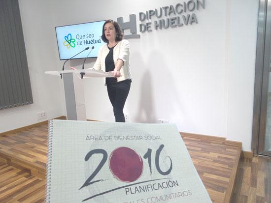 Aurora Vélez durante la presentación en la Diputación de Huelva del Plan de Servicios Sociales Comunitarios 2016.