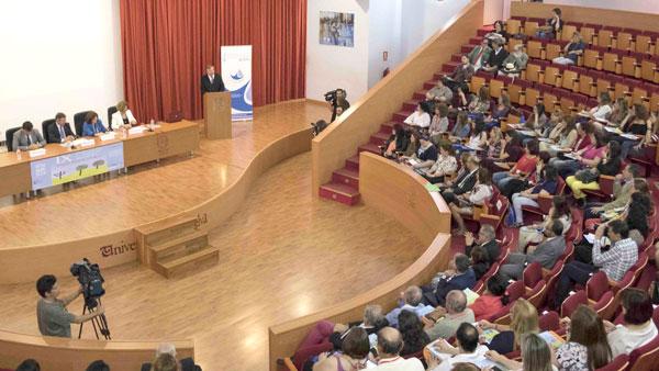 Inauguración en la Facultad de Derecho de las IX jornadas sobre la enfermedad del Alzheimer.