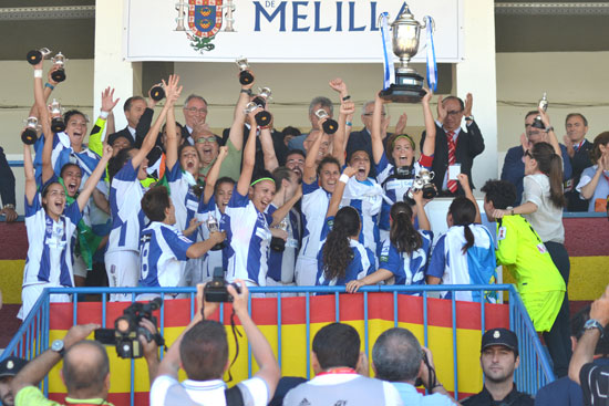 El Sporting celebró el pasado año la consecución de la Copa de la Reina.