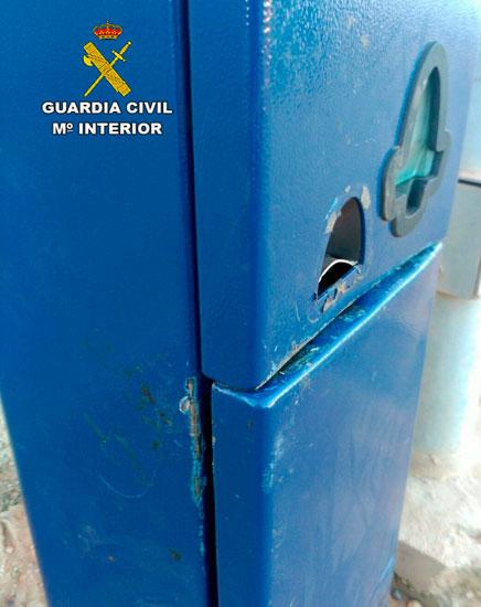 Imagen de los daños del parquímetro.