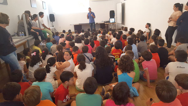 Actividad en el Centro de Interpretación Ambiental 'Los Arroillos' de La Puebla de Guzmán.