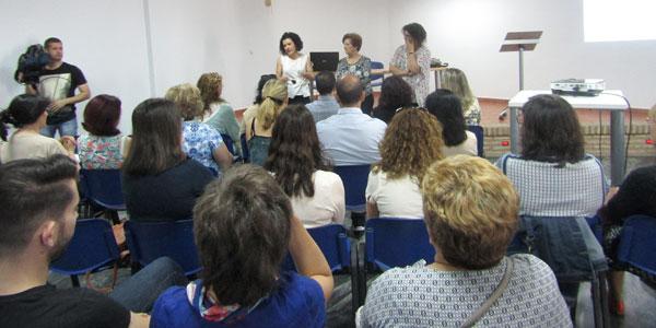 """Imagen de la inauguración de la II jornada sobre """"Empoderamiento y liderazgo para personal público"""", que se ha celebrado hoy en Santa Bárbara de Casa."""