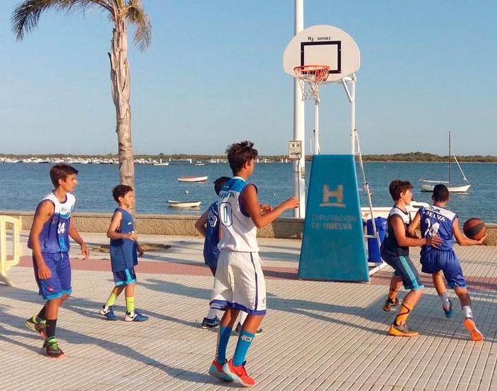 Jugadores en un partido del Circuito Provincial 3x3 de Baloncesto