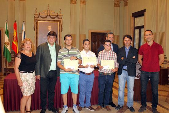 Imagen del acto de la entrega de diplomas en el Ayuntamiento de Huelva.