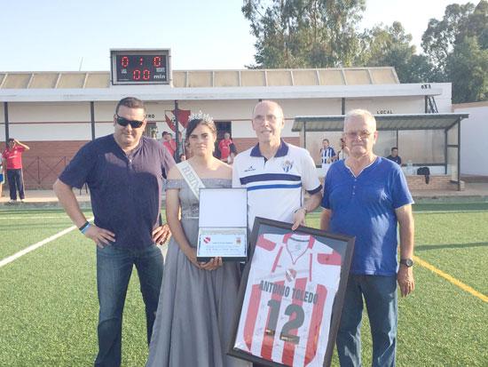 Imagen del homenaje a Antonio Toledo.