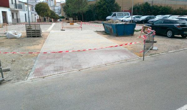 Obras de creación de acceso para vehículos de emergencias en la Calle Las Delgadas de la capital.