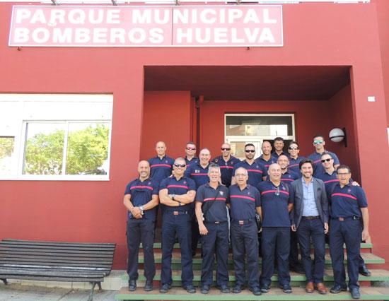 Imagen de los bomberos participantes en el curso.