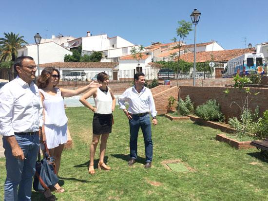 Imagen de la visita del presidente de la Diputación Provincial a la localidad de Arroyomolinos.