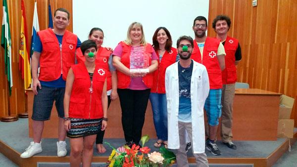 Imagen de los voluntarios de Cruz Roja Huelva reconocidos por el Hospital Juan Ramón Jiménez.