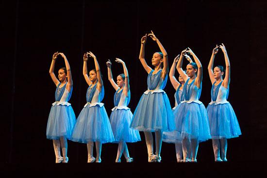 Actuación de la Escuela Municipal de Música y Danza de Aljaraque.