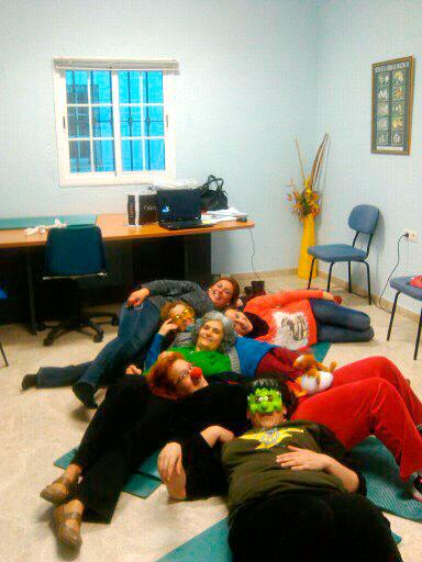 Imagen de una actividad de apoyo a cuidadores de dependientes.