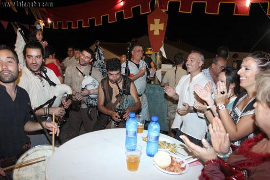 El grupo Acibreira durante un pasacalles.