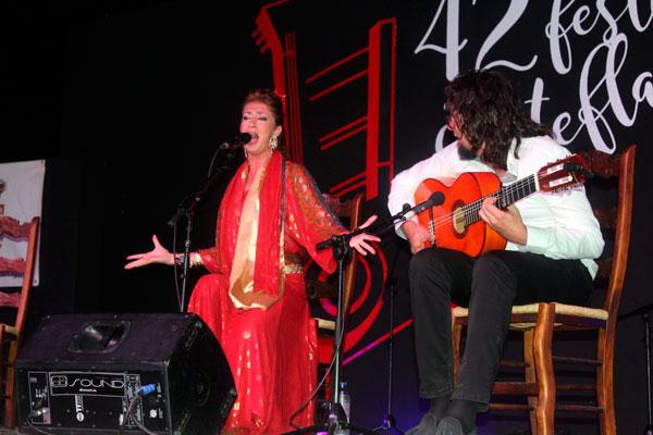 """Actuación de """"La Fabi""""."""