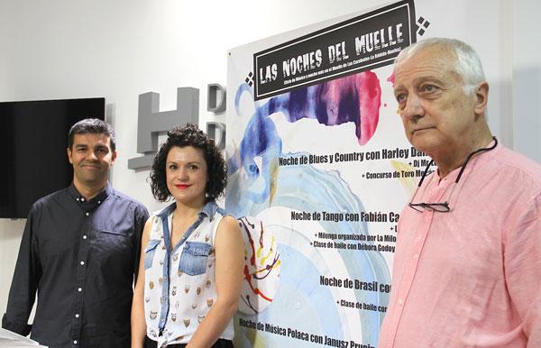 La vicepresidenta, que ha estado acompañada por el director del espectáculo, Horacio Rebora, y el representante de 'La Milonguita de Huelva', Claudio Rodríguez, ha presentado los detalles de la segunda cita de Las Noches del Muelle.