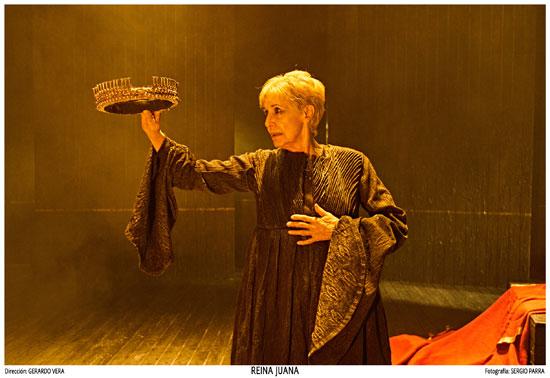 La actriz Concha Velasco interpretando a Juana de Castilla en la obra 'Reina Juana'.