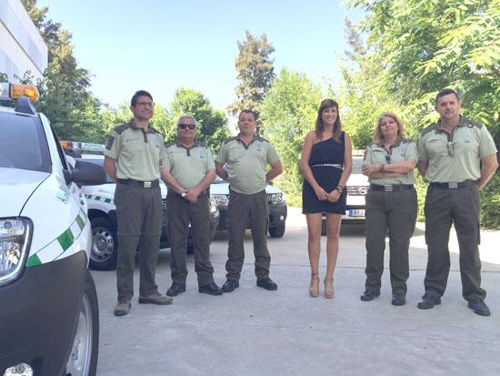 Acto de entrega de los vehículos a los agentes de Medio Ambiente.