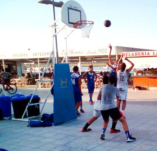 Imagen de un partido de baloncesto 3x3.