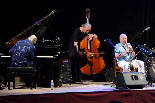 Actuación de Pedro Iturralde Quartet.
